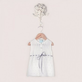 Vestido modelo Cris calado blanco