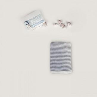 Toquilla 100% algodón en rayas bicolor blanco y perla.