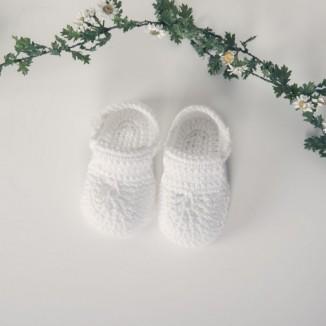 Patuco Sasha en color blanco hecho a mano 100% algodón
